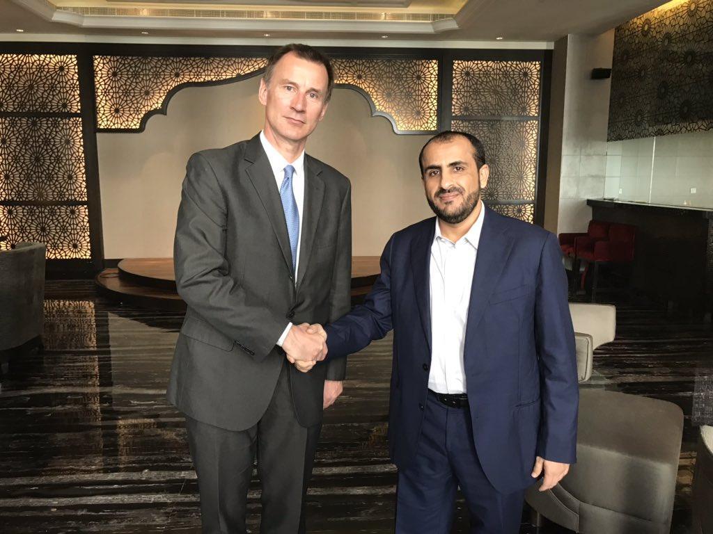وزير خارجية بريطانيا يلتقي رئيس وفد الحوثيين ويطالب جماعته بالانسحاب من الحديدة