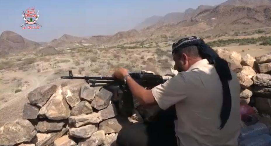 بالفيديو.. معارك عنيفة بين العمالقة والحوثيين في البرح غرب تعز