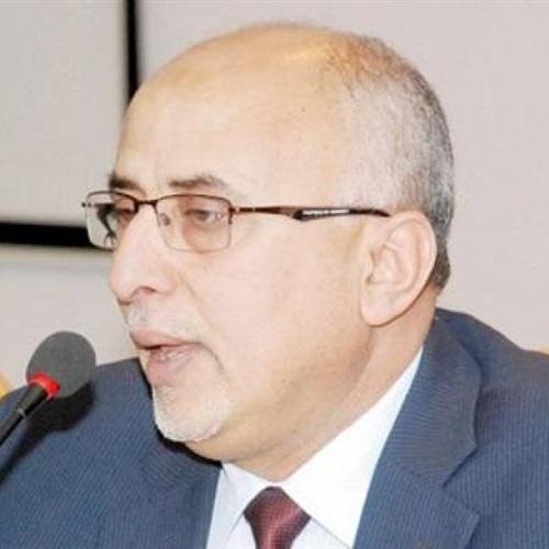 رئيس لجنة الإغاثة يطالب الإمم المتحدة بإدانة تفخيخ الحوثيين لمخازن الغذاء بالحديدة