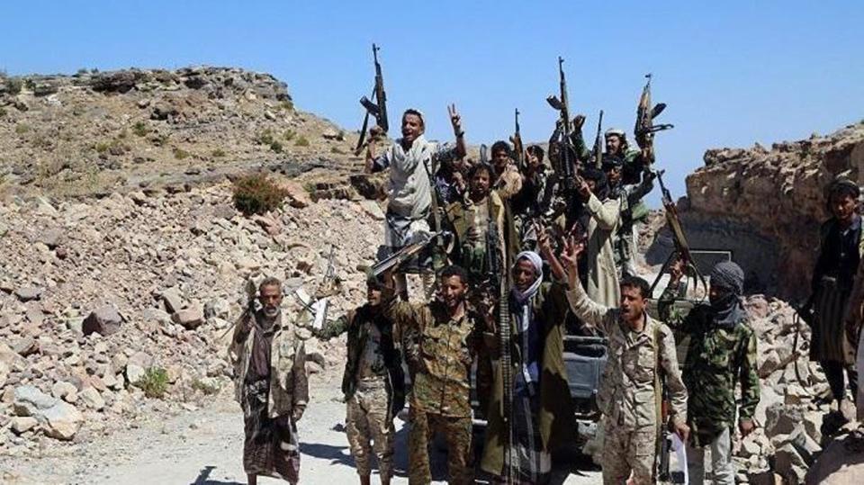 قبائل حجور تحبط هجوم واسع للحوثيين على حصن استراتيجي وتكبدهم خسائر كبيرة
