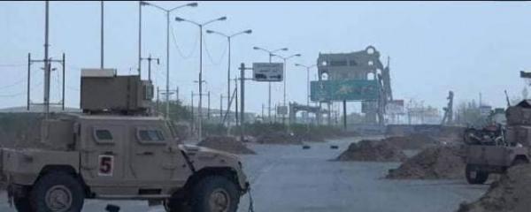الجيش يسيطر على المدخل الشرقي لمدينة الحديدة ويؤكد استمرار العمليات