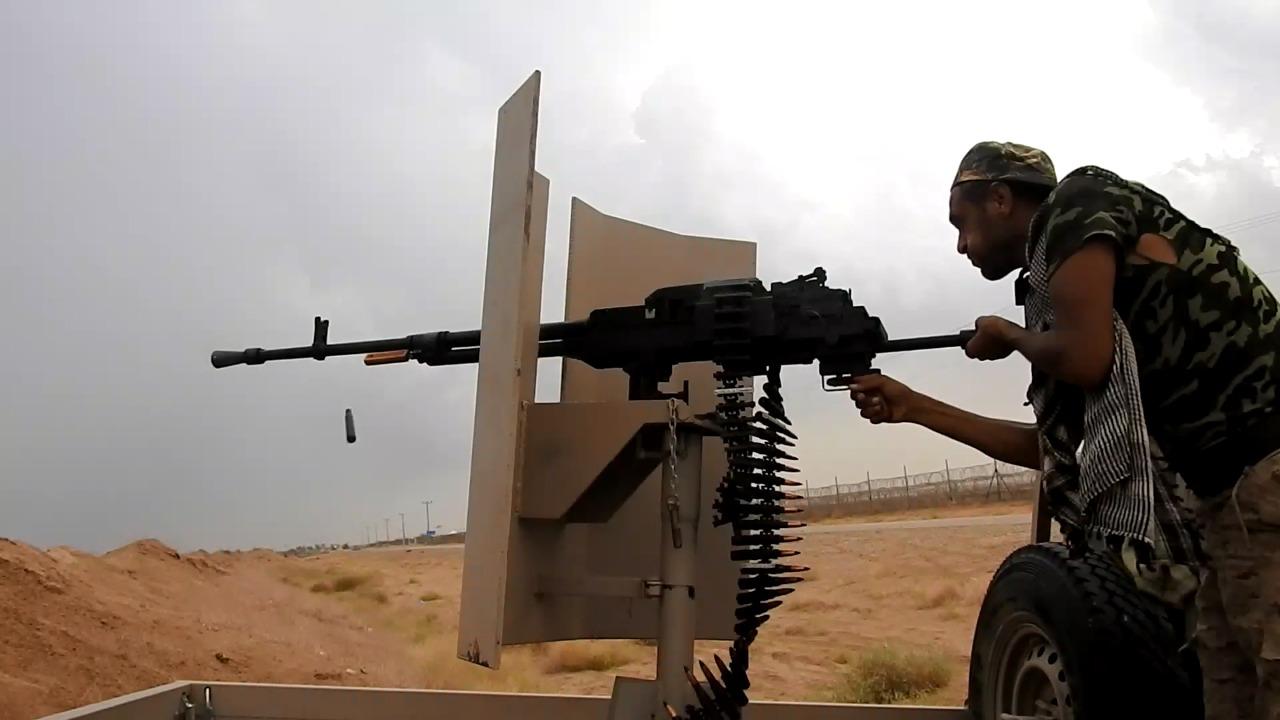 اندلاع مواجهات عنيفة بين قوات الجيش والحوثيين شرق حرض