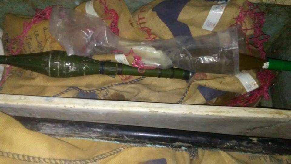 ضبط شحنة أسلحة خرجت من عدن باتجاه مناطق سيطرة الحوثيين (صور)
