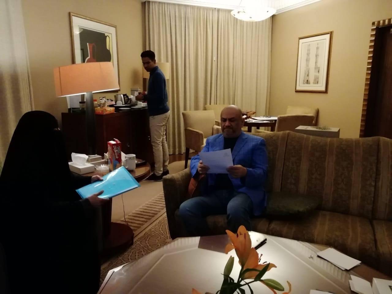 رئيس ربطة أمهات المختطفين تلتقي وزير الخارجية في الرياض