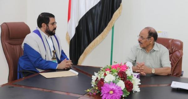 نائب الرئيس يلتقي محافظ صعدة ويستمع لعدد من القضايا المرتبطة بالمحافظة