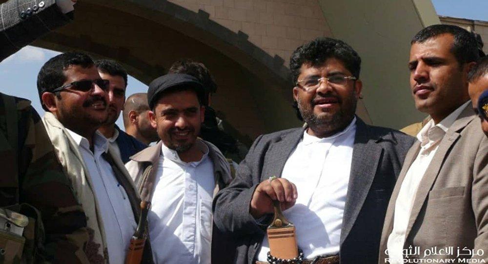 الحوثي يدعو إلى إجراء مفاوضات السويد بشكل علني