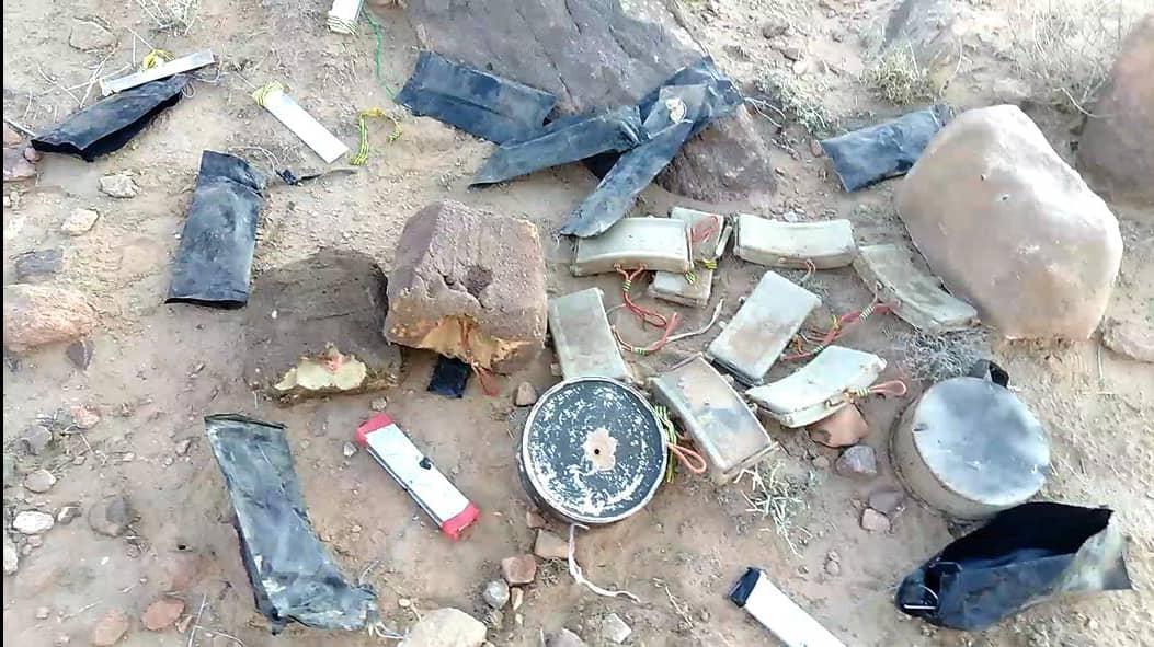 بالفيديو .. ألغام الحوثيين في كل مكان بالحديدة حتى داخل أكياس السكر