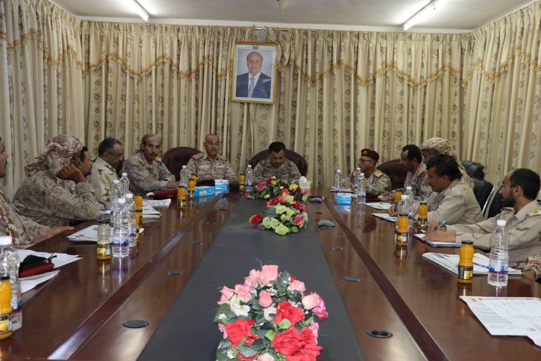 القميري يشيد بدور ابطال المنطقة العسكرية الثالثة في مواجهة الانقلاب