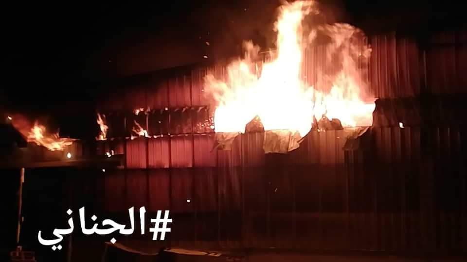 الحوثيون يصعدون في الحديدة ويشنون هجوما عنيفا ويحرقون مصنعا في مجمع إخوان ثابت
