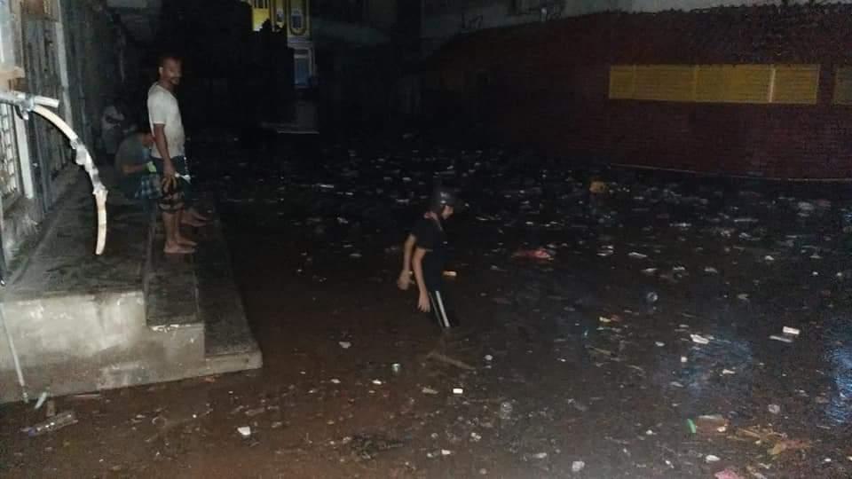 أمطار غزيرة تجتاح عدن ووفاة شخصين وتضرر عدّة منازل (صور)
