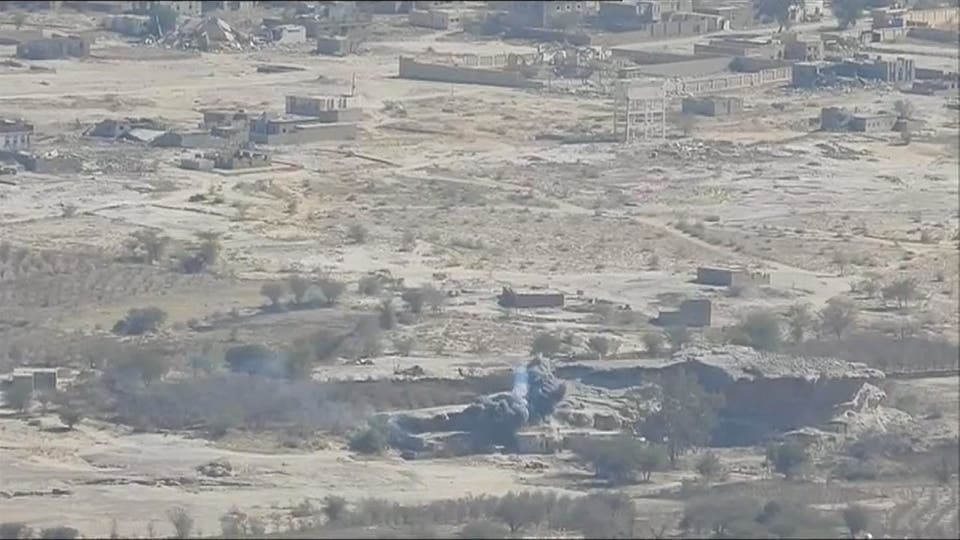 قوات الجيش تقطع طريق إمداد رئيسياً في صعدة