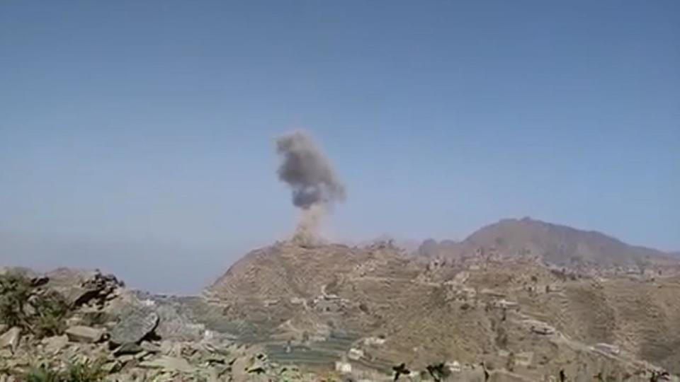 أعنف الغارات على مواقع الحوثيين وتحركاتهم في كشر بمحافظة حجة
