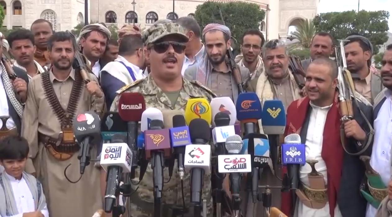 انشقاق أحد أبرز قادة قوات طارق صالح وانضمامه للحوثيين .. من هو ؟