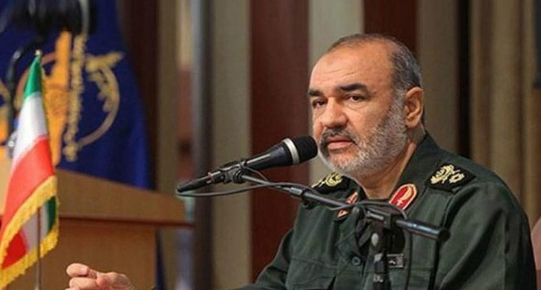 مجددا قائد إيراني رفيع يلمّح إلى نفوذ بلاده في اليمن ويقول إن بريطانيا وأمريكا تتوسلان لدى الحوثيين
