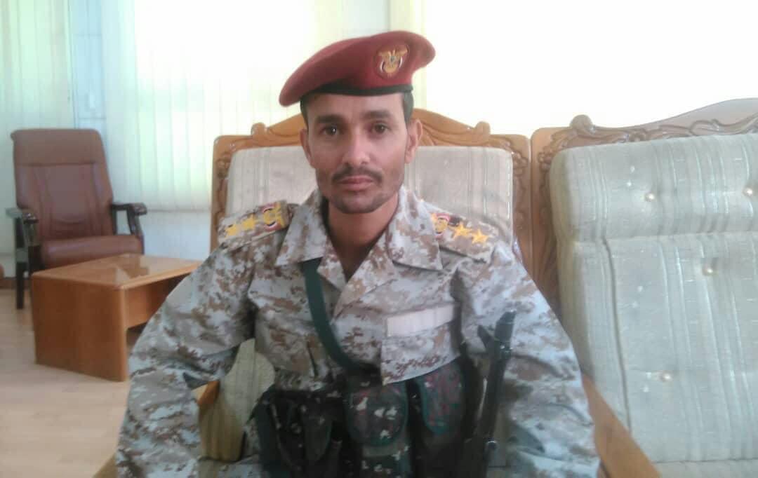 قائد عسكري بالجوف ينشق عن الشرعية وينضم للحوثيين .. من هو؟