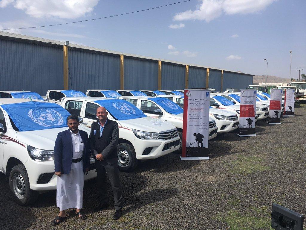 سخرية واسعة من تسليم الأمم المتحدة 20 مركبة للحوثيين لإزالة الألغام
