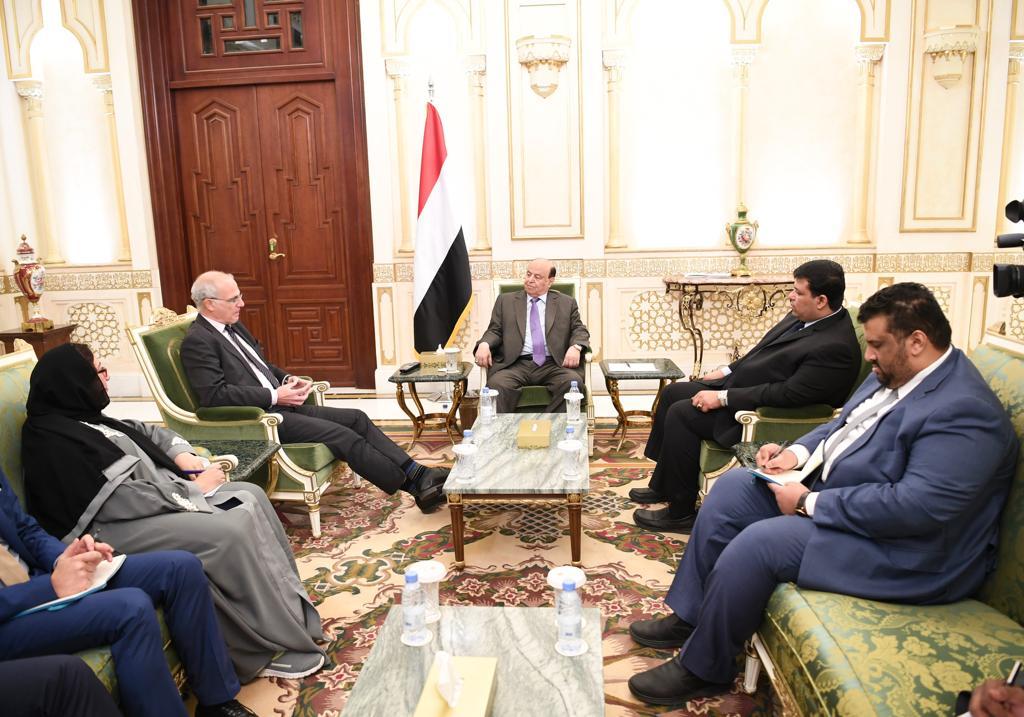 الرئيس هادي يطالب بريطانيا بالضغط على الحوثيين لتنفيذ اتفاق السويد