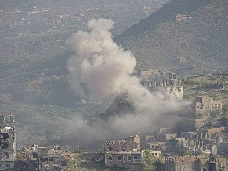 بالصور .. قوات الجيش تخوض أعنف المعارك ضد الحوثيين شمال وغرب مدينة تعز