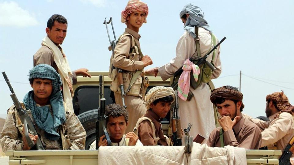 الحوثيون يداهمون قرية في المحويت ويختطفون ثلاثة من أبناءها
